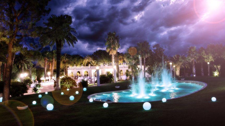 Beautiful il giardino del mago prezzi ideas for Alessi porte listino prezzi