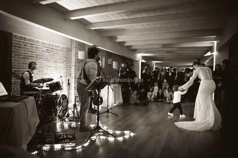 B/w dance floor