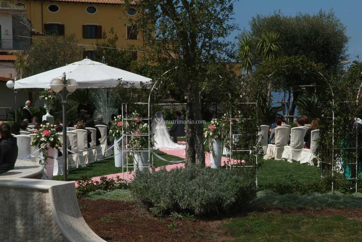 Al Giardino Ancona cerimonia nel giardino di ristorante giardino delle rose