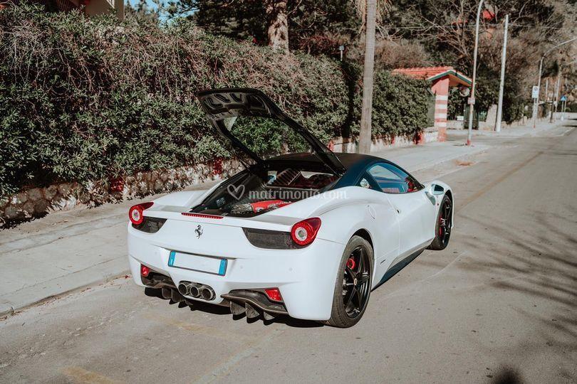 Ferrari 458 italia bianca