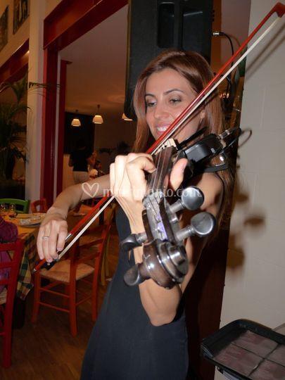 Violinista laureata al conservatorio