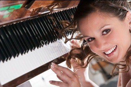 Sandra al pianoforte