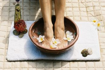 Aromaterapia e oli essenziali per curarsi in casa dalla A alla L