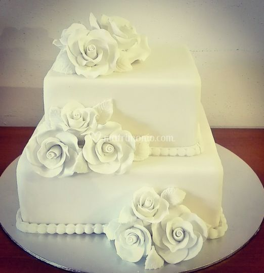 Wedding quadrata rose bianche