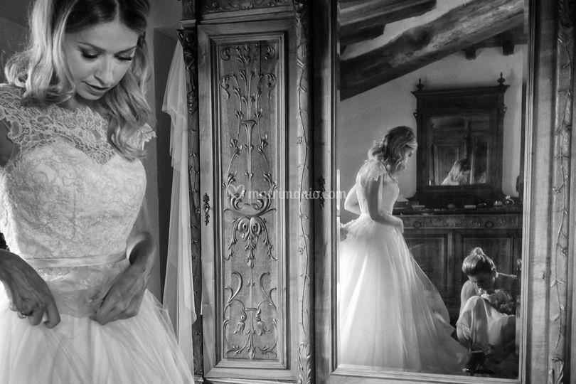 Abito-sposa-preparativi-specch