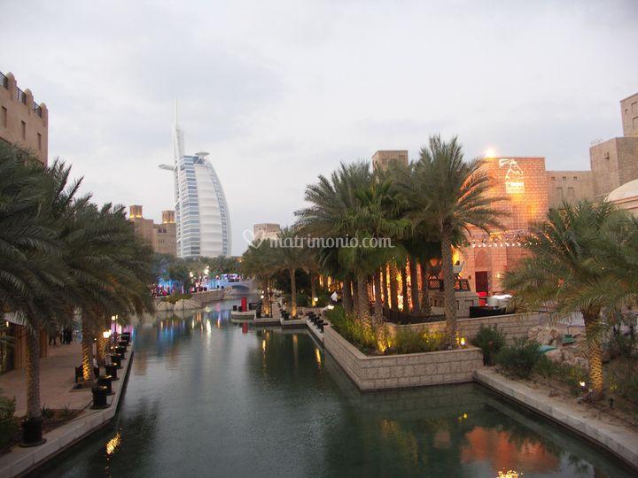 Dubai - la città con la Vela