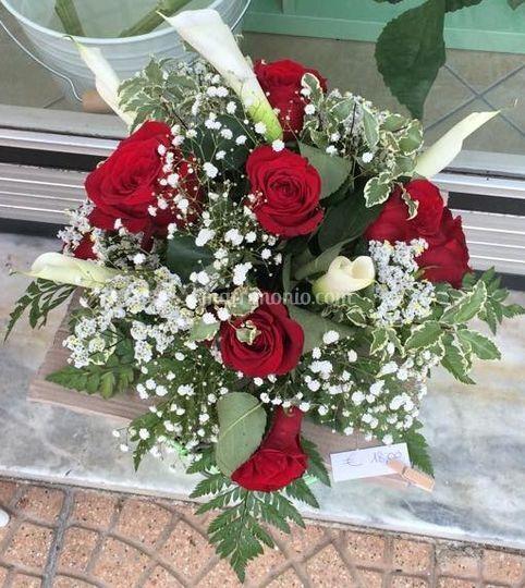 Centrotavola rose rosse, calle