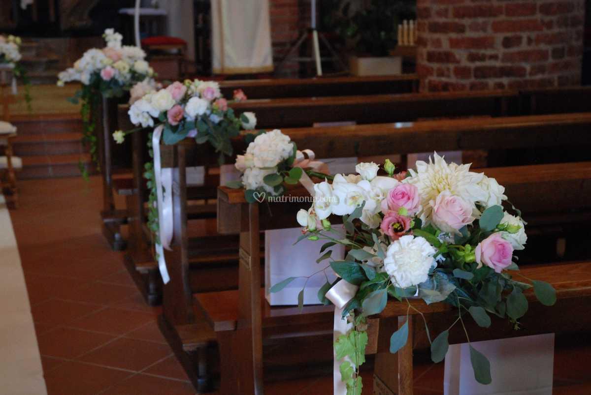Fiori Chiesa Matrimonio.Banchi Chiesa Matrimonio Di Fiori Bertola Foto 49