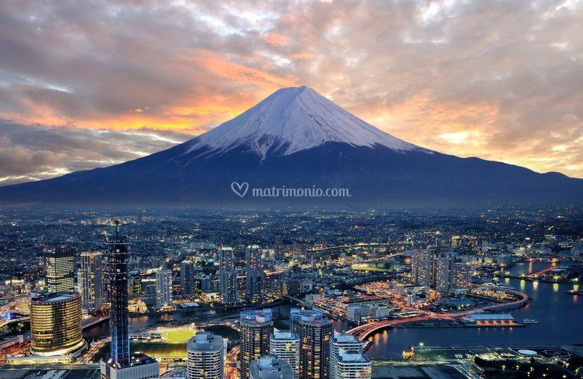 Monte Fuji Tokyo honeymooners