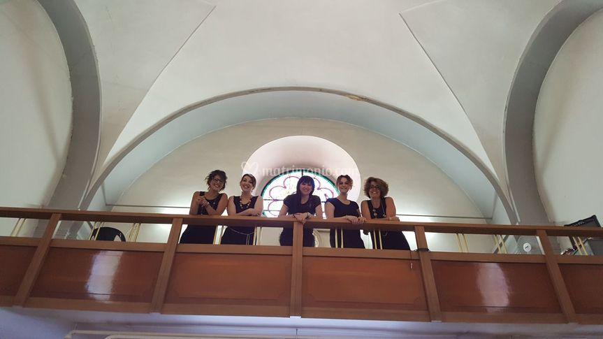 In cantoria