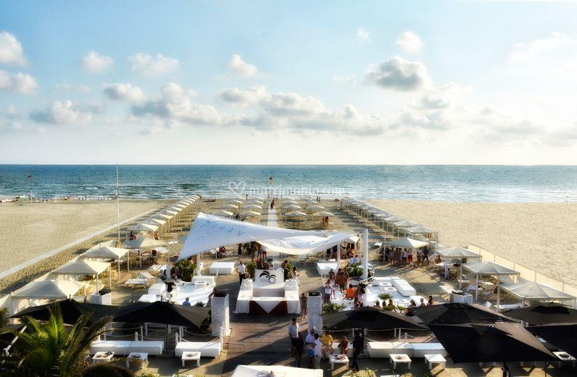 Matrimonio Spiaggia Viareggio : Ostras beach club versilia
