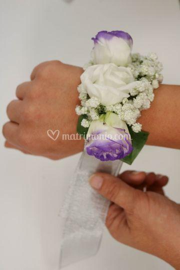 Bracciale con rose lisianthus