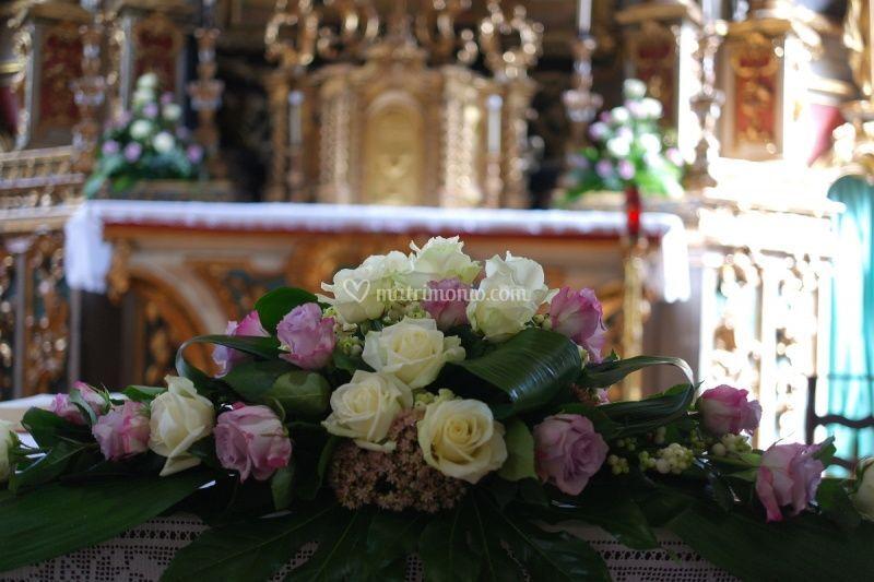 Rose sull'altare