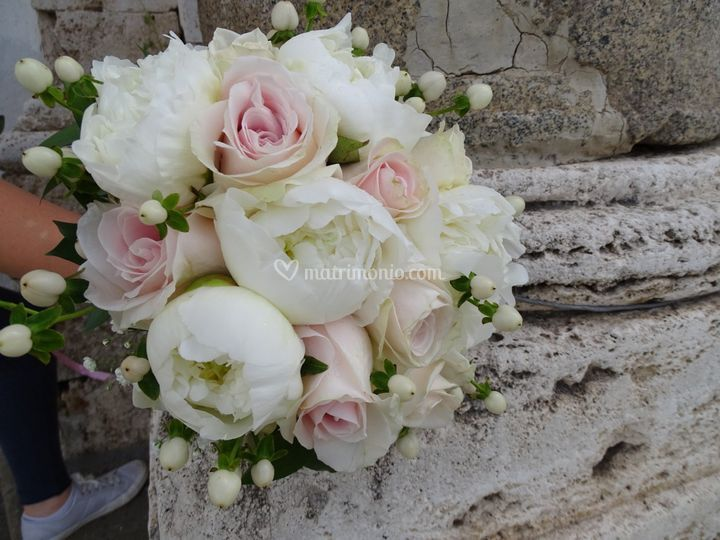 Bouquet da sposa peonie/rose