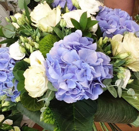 Bouquet bianco azzurro
