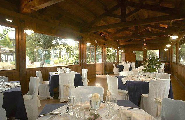 Matrimonio Rustico Verona : Piscina panoramica di borgo santarosa foto