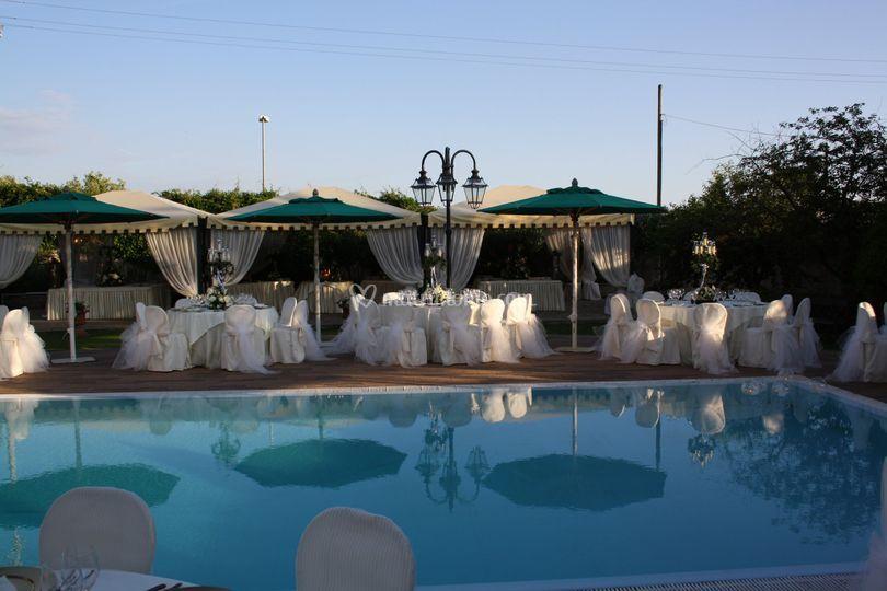 Villa gli ulivi for Matrimonio bordo piscina