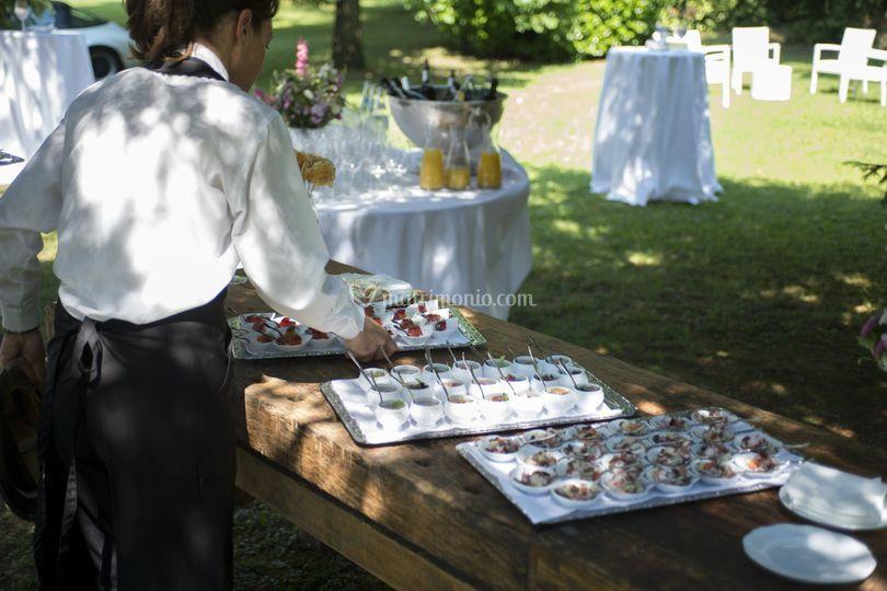 L' allestimento dei tavoli