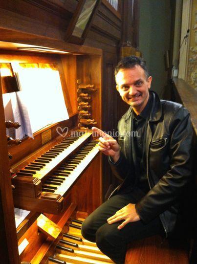 Anche all'organo liturgico