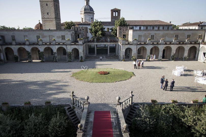 fd981bf561a4 Rocca di San Giorgio Uso del piazzale in ghiaia