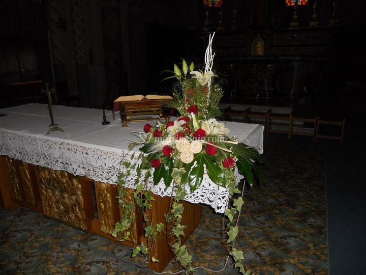 Comp. per altare con rose
