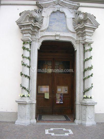 Pubblicazioni Matrimonio Romano Di Lombardia : Castello ingresso ghirlande di arte verde valsecchi