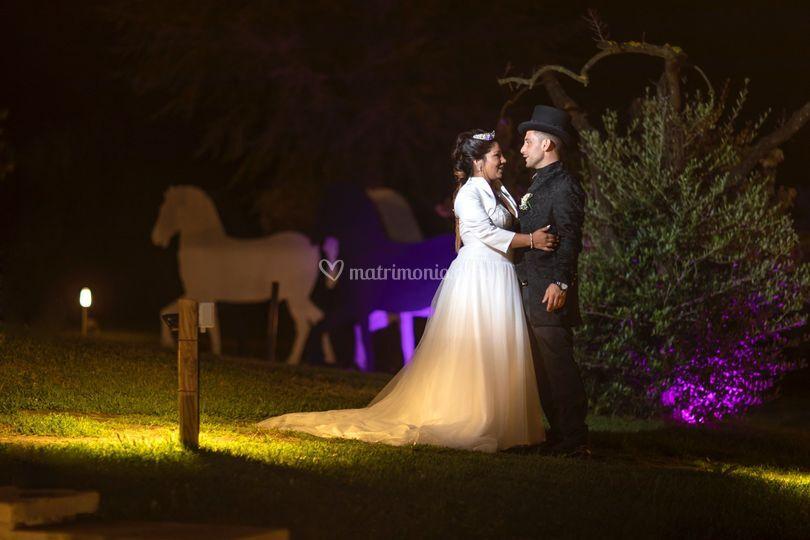 Sposi giardino sera