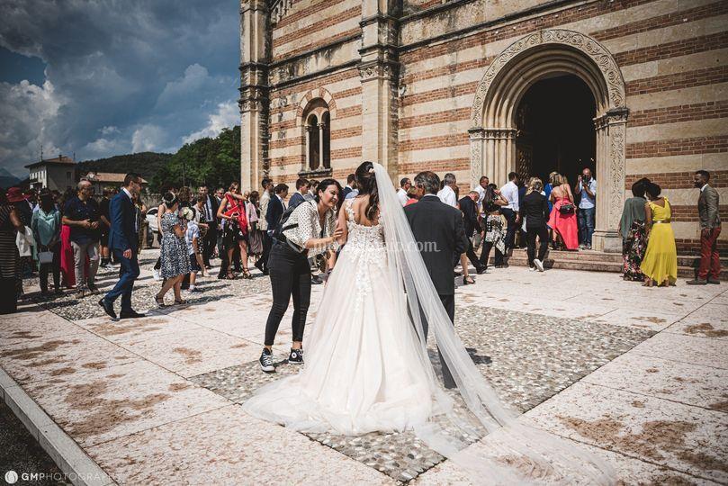 Una coccola alla sposa