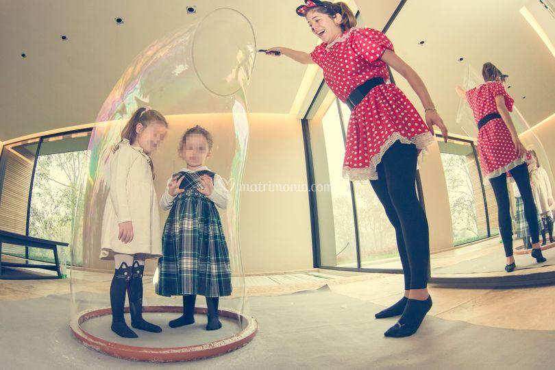 Con cerchio ingloba bimbo
