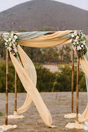 Wedding arch a tema