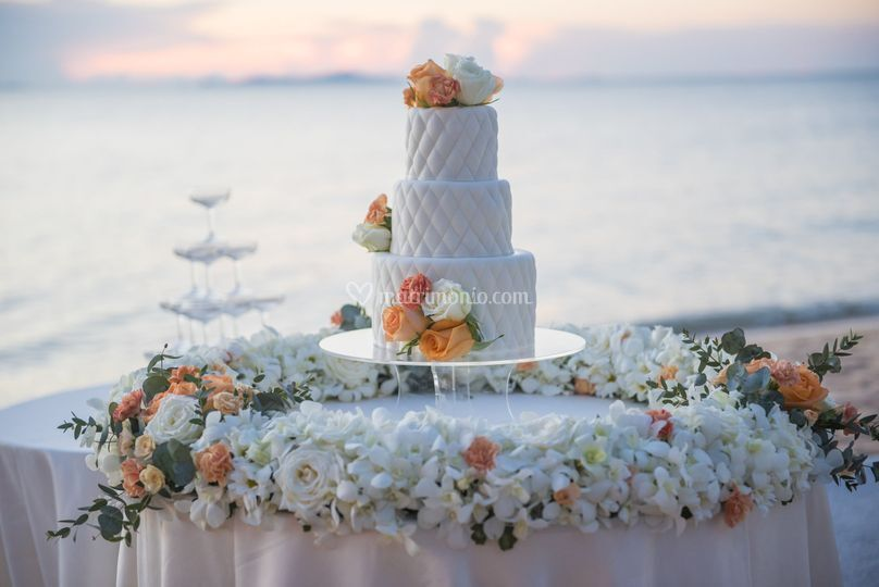 Wedding Cake in riva al mare