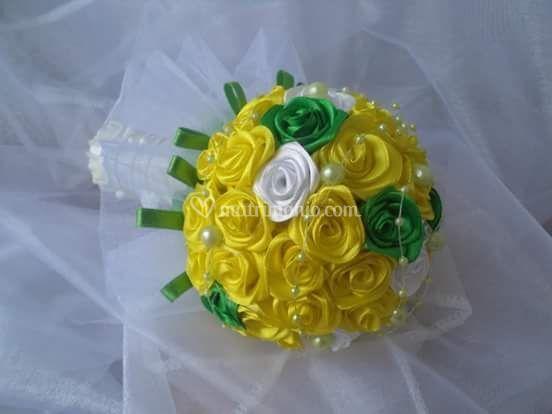 Bouquet giallo bianco e verde
