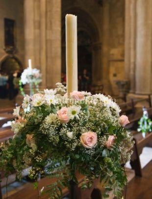 Addobbo floreale per chiesa