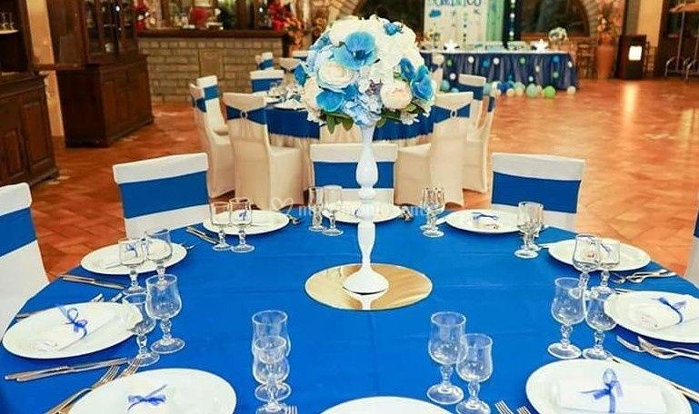 Tavoli con ornamenti speciali