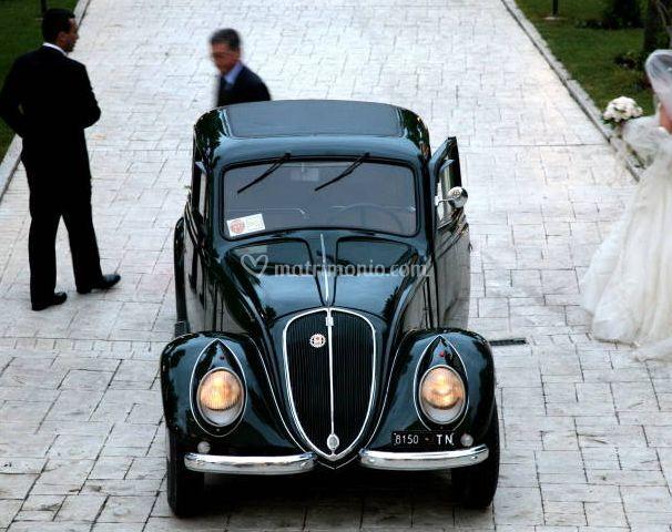 L'auto per gli sposi