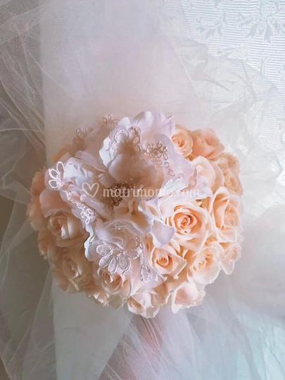 Bouquet con fiore gioiello