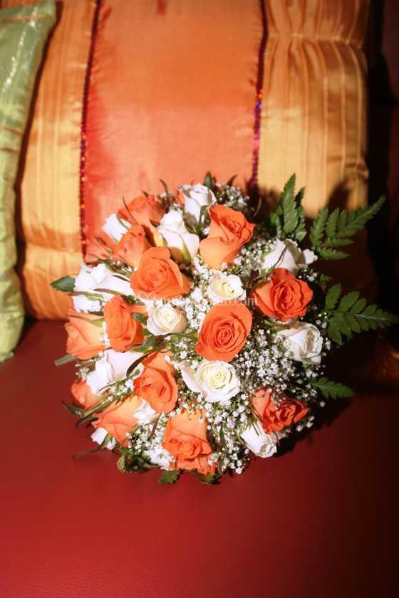 Bouquet Sposa Arancio.Bouquet Bianco E Arancio Di Fiorilandia Foto 21