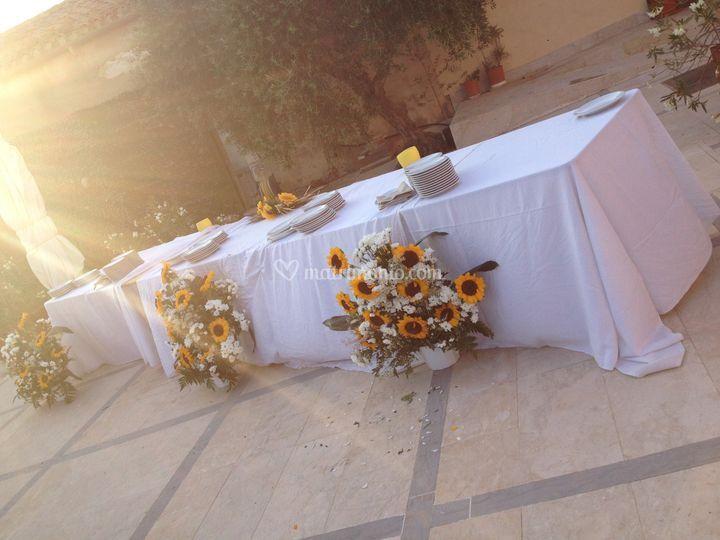 Tavolo Matrimonio Girasoli : Agriturismo fratelli sanacore
