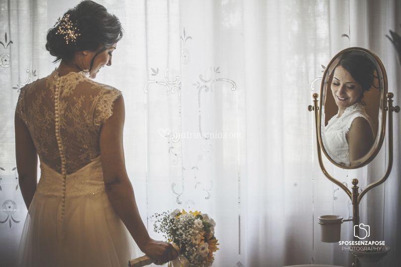 Sposa riflesso specchio