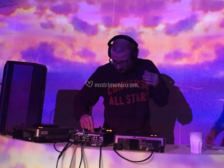 DJ + Proiezioni Video
