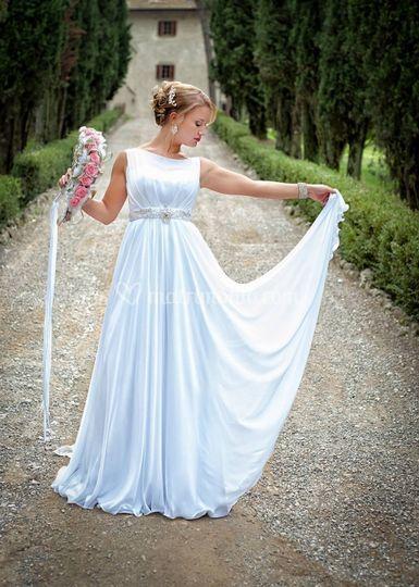 Sposa nel viale