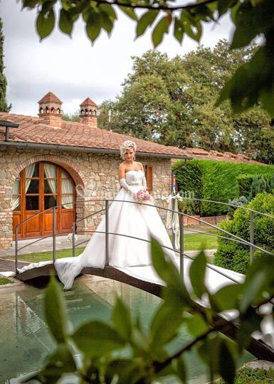 Sposa nel laghetto