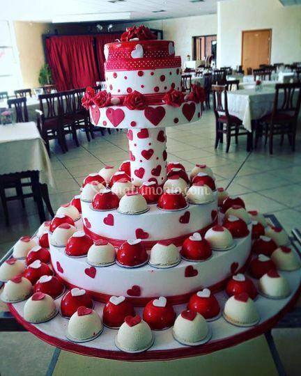 Torta mono rossa