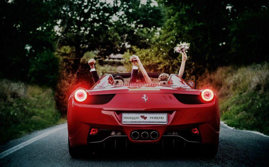 Matrimonio In Ferrari : Noleggio ferrari