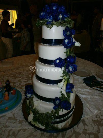 Fiori veri anche sulla torta