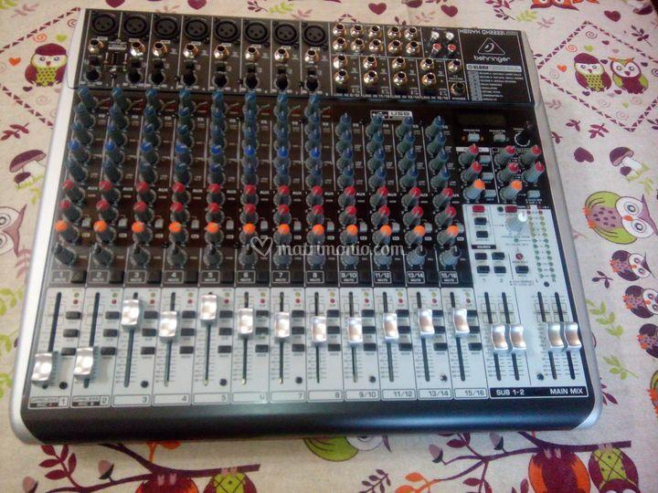 Mixer 24 canali  Beheringer