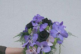 Bouquet da sposa con wanda e rose nere