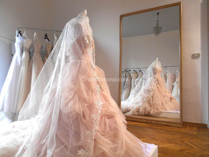 Abito Ian Stuart bride London