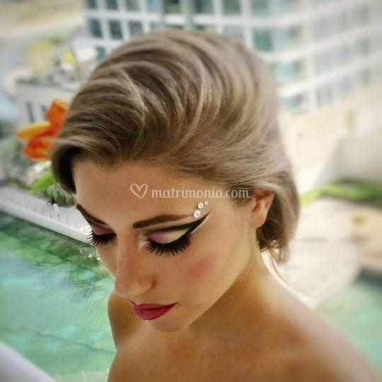 Artistic Make Up