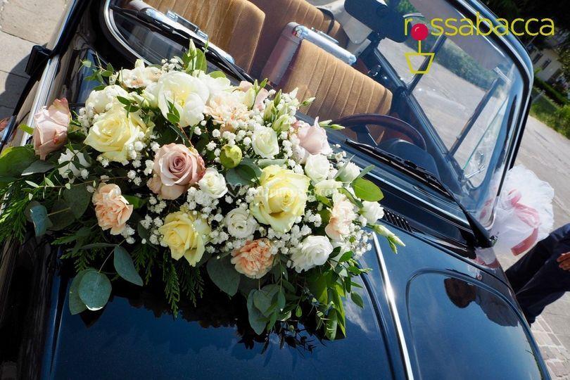 Auto sposi floreale